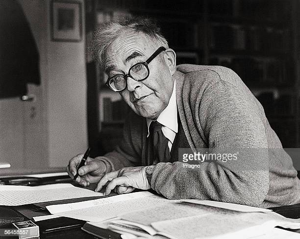 Portrait of the theologian Karl Barth in Basel Photography 1956 [Portrait des Theologen Karl Barth in Basel Photographie 1956]