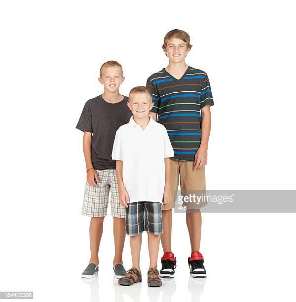 Portrait de garçon souriant de trois