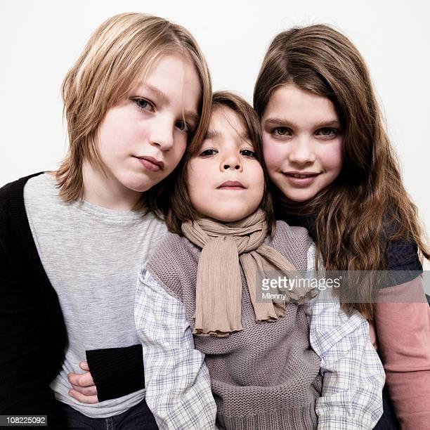 Porträt von drei Jungen Geschwister