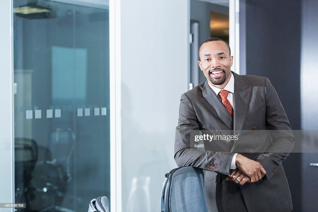 Ritratto di giovane business executive nero : Foto stock