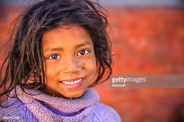 Retrato de jovem Rapariga Nepali em Bhaktapur, Nepal