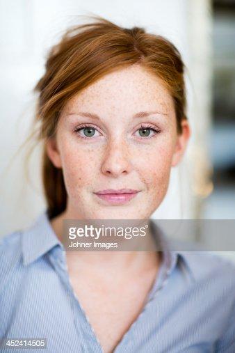 Portrait of young woman, studio shot