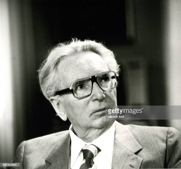 viktor frankl and free will Home » meaning & values » on the meaning of meaning:  you are free to believe what you think  i do not agree with frankl that every moment contains meaning.