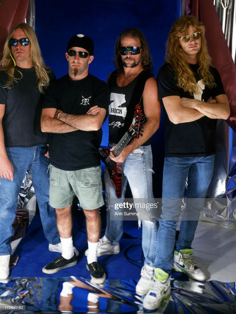 Portrait session with guitarists Dave Mustaine of Megadeath, right, <a gi-track='captionPersonalityLinkClicked' href=/galleries/search?phrase=Kerry+King&family=editorial&specificpeople=236089 ng-click='$event.stopPropagation()'>Kerry King</a> (Slayer), <a gi-track='captionPersonalityLinkClicked' href=/galleries/search?phrase=Scott+Ian&family=editorial&specificpeople=208132 ng-click='$event.stopPropagation()'>Scott Ian</a> (Anthrax), <a gi-track='captionPersonalityLinkClicked' href=/galleries/search?phrase=Jeff+Hanneman&family=editorial&specificpeople=858409 ng-click='$event.stopPropagation()'>Jeff Hanneman</a> (Slayer). Hanneman was the founding member and lead guitarist for thrash metal band Slayer.