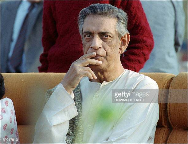 Portrait taken 02 February 1989 in Calcutta of the Indian movie director Satyajit Ray during the ceremony where he was to be made a member the Legion...