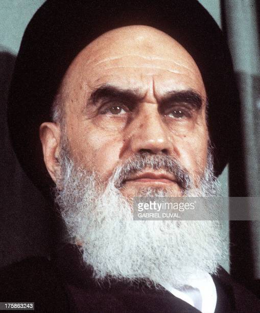 Portrait taken 05 February 1979 in Tehran of the Islamic Revolution's leader Ayatollah Ruhollah Khomeini Portrait de l'ayatollah Ruhollah Khomeiny...
