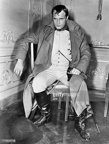 A portrait taken on September 19 1953 shows American actor Marlon Brando on the set of the movie 'Desiree'directed by Henry Koster in which he plays...