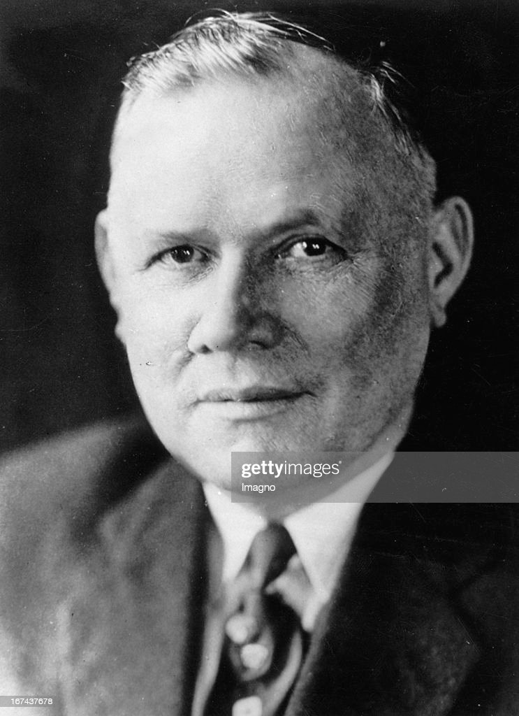 Portrait William Green (March 3, 1873 November 21, 1952) was an American trade union leader. Green is best remembered for serving as the President of the American Federation of Labor from 1924 to 1952. Photograph. (Photo by Imagno/Getty Images) Portrait William Green. Gewerkschaftsführer/Präsident der American Federation of Labor. Photographie. Um 1930.