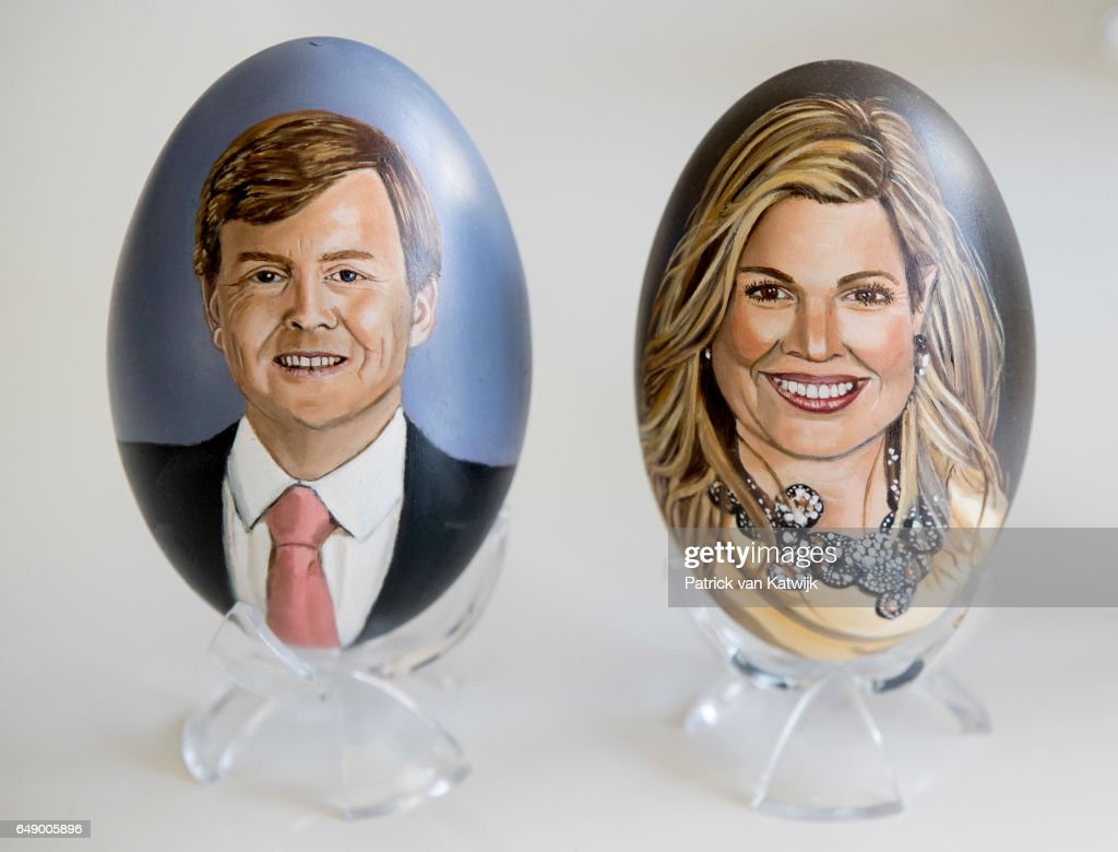 portraits-of-king-willemalexander-and-queen-maxima-of-the-netherlands-picture-id649005896