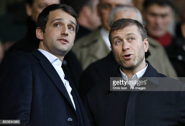 Portsmouth owner Alexandre Gaydamak and Chelsea owner Roman Abramovich talk before the kick off