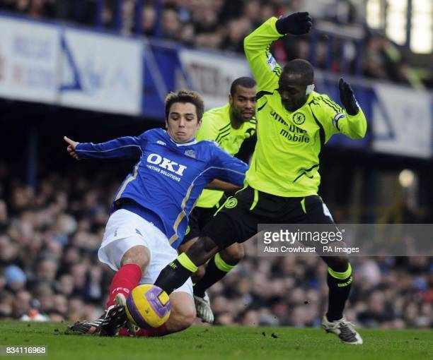 Portsmouth's Nikon Kranjcar in action with Chelsea's Claude Makelele during the Barclay's Premier League match at Fratton Park Portsmouth