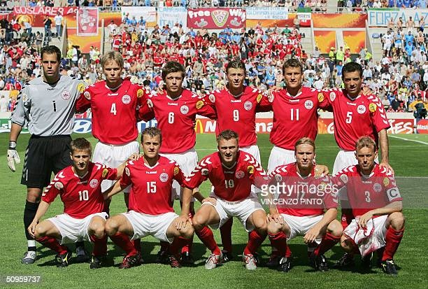 Denmark's national football team players pose 14 June 2004 at Henriques stadium in Guimaraes before their Euro 2004 group C football match against...