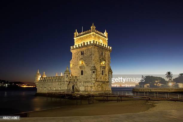 Portugal, Lisbonne, vue sur la Tour de Belém, au crépuscule