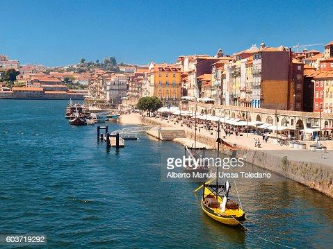 Portugal, Porto, Ribeira do Douro -Ravelos and restaurants