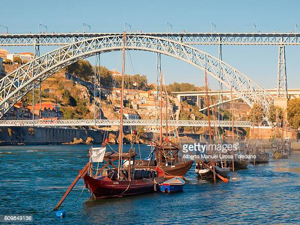 Portugal, Porto, Ribeira do Duero and Luiz I bridge - Ravelo boat