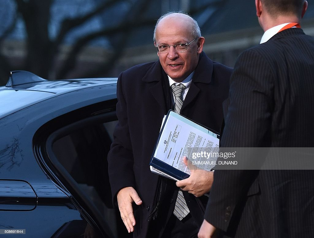 Portugal's Foreign Minister Augusto Santos Silva arrives to attend a EU foreign ministers meeting in Amsterdam, on February 6, 2016. The European Union on Wednesday finally reached agreement on how to finance a three-billion-euro ($3.3-billion) deal to aid Syrian refugees in Turkey, in exchange for Ankara's help in stemming the flow of migrants. / AFP / EMMANUEL DUNAND