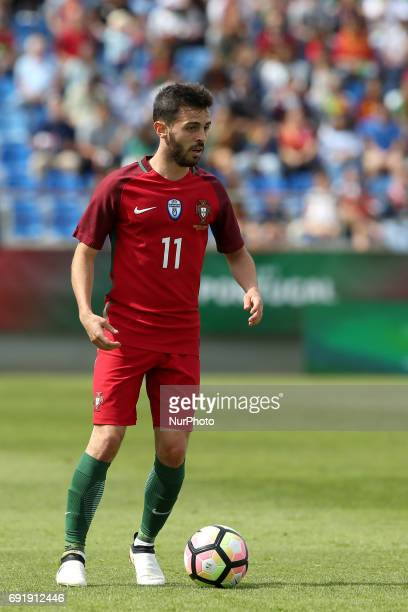 Portugal's forward Bernardo Silva in action during the friendly football match Portugal vs Cyprus at Antonio Coimbra da Mota Stadium in Estoril...