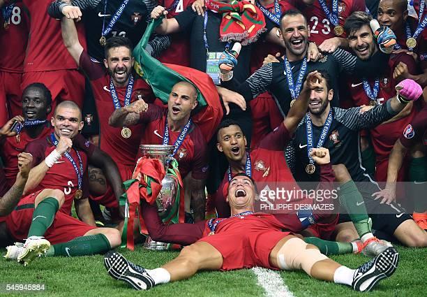 TOPSHOT Portugal's forward Cristiano Ronaldo Portugal's forward Nani Portugal's forward Ricardo Quaresma Portugal's forward Eder and Portugal's...