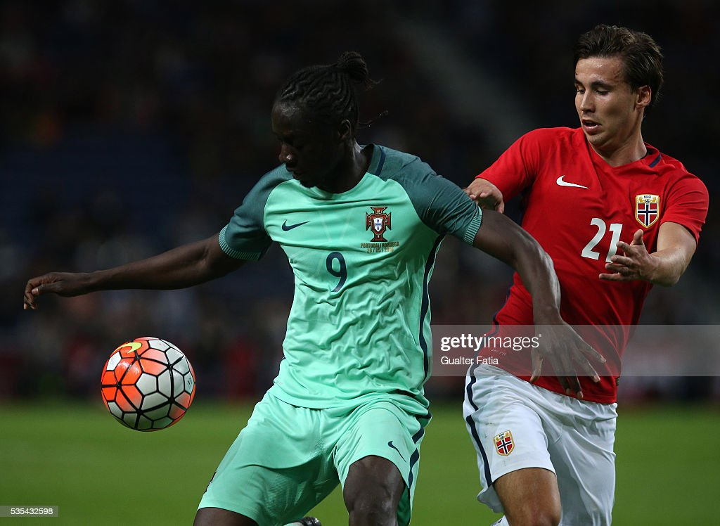 Portugal's forward Eder (L) with Norway's forward Anders Trondsen (R) in action during the International Friendly match between Portugal and Norway at Estadio do Dragao on May 29, 2016 in Porto, Portugal.