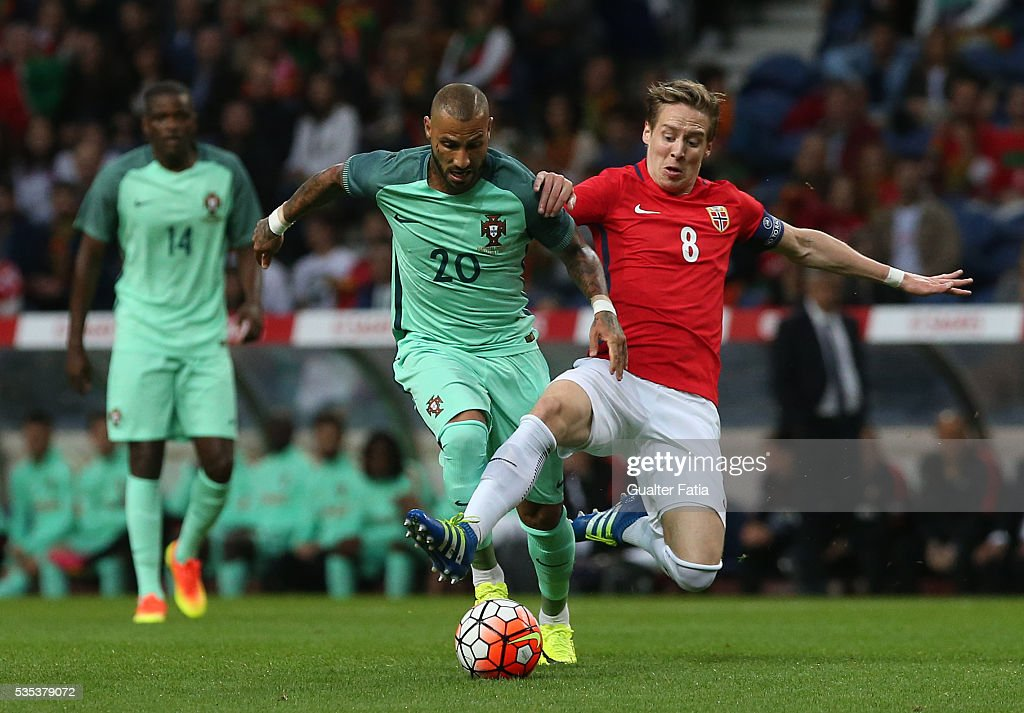 Portugal's forward Ricardo Quaresma (L) with NorwayÕs midfielder Stefan Johansen (R) in action during the International Friendly match between Portugal and Norway at Estadio do Dragao on May 29, 2016 in Porto, Portugal.