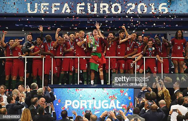 TOPSHOT Portugal's midfielder Renato Sanches Portugal's forward Eder Portugal's defender Cedric Soares Portugal's midfielder Adrien Silva Portugal's...