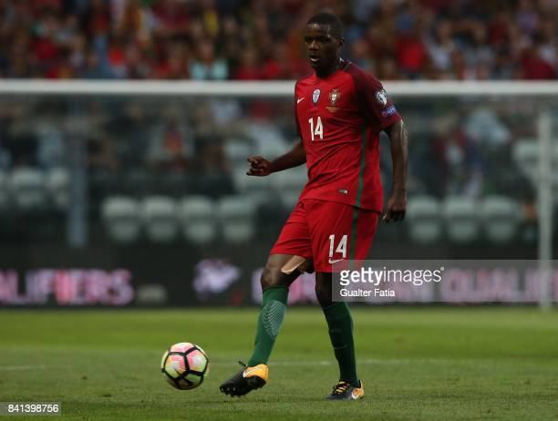 Portugal's midfielder William Carvalho in action during the FIFA 2018 World Cup Qualifier match between Portugal and Faroe Islands at Estadio do...