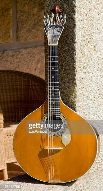Guitare portugaise.