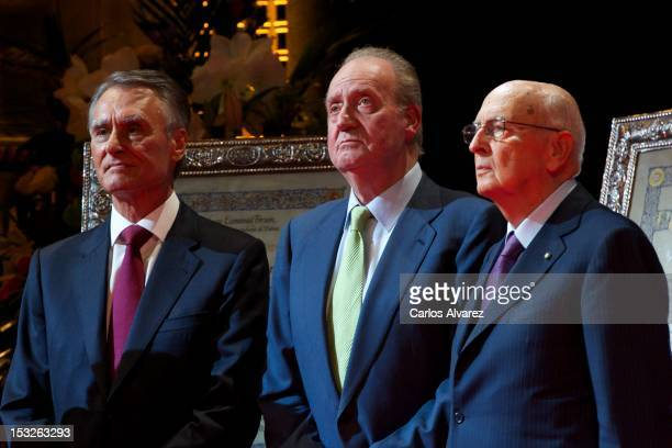 Portuguese President Anibal Cavaco Silva and Italian President Giorgio Napolitano receive from King Juan Carlos of Spain the 'Nueva Economia 2011 and...
