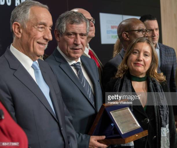Portuguese President Marcelo Rebelo de Sousa and and the president of the Foreign Press Association in Portugal Begona Iniguez pose for pictures with...