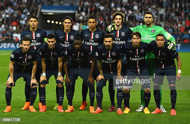 PSG pose for a team photograph during the UEFA Champions League Quarter Final First Leg match between Paris SaintGermain and FC Barcelona at Parc des...