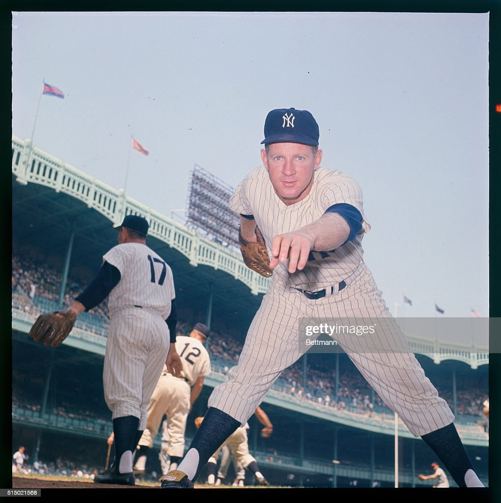 8/1961- Posed action of Ed 'Whitey' Ford.