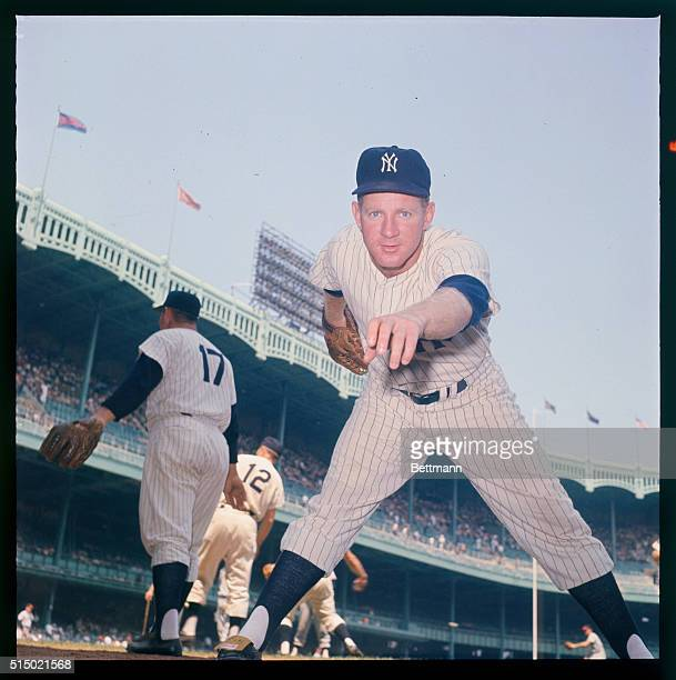 8/1961 Posed action of Ed 'Whitey' Ford