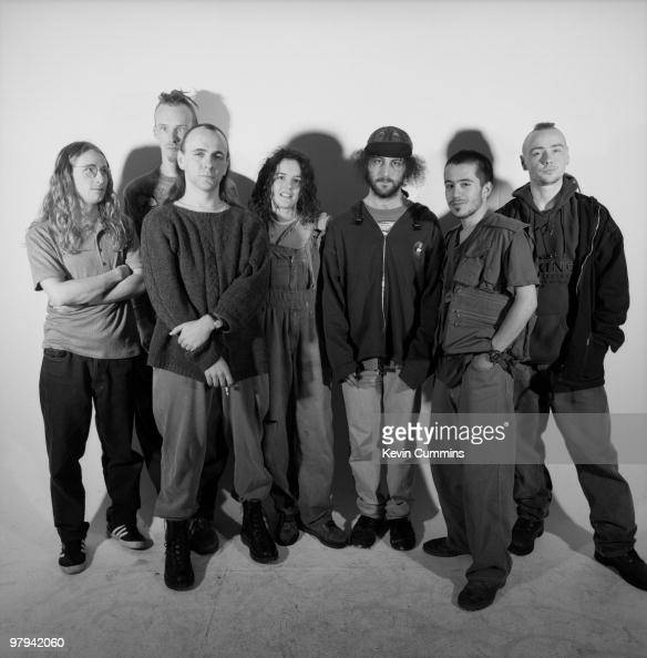 100 canciones: 1994 Posed-group-portrait-of-british-band-senser-with-kerstin-haigh-and-picture-id97942060?s=594x594