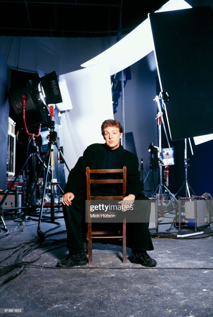 Posed portrait of singer and musician <a gi-track='captionPersonalityLinkClicked' href=/galleries/search?phrase=Paul+McCartney&family=editorial&specificpeople=92298 ng-click='$event.stopPropagation()'>Paul McCartney</a> in 1998.