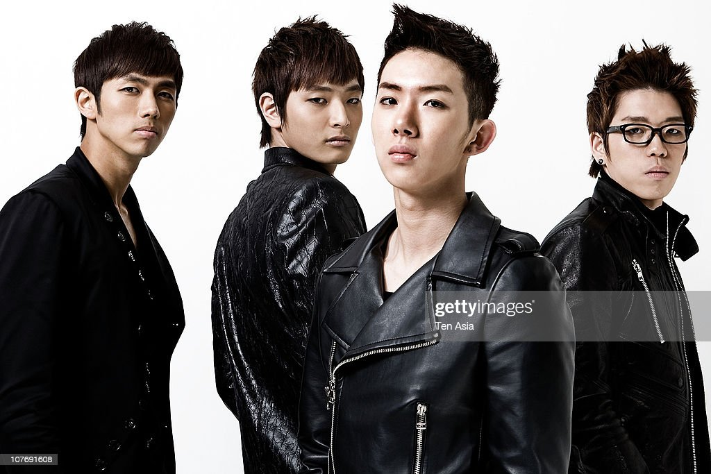2AM poses for photographs on March 25, 2009 in Seoul, South Korea.