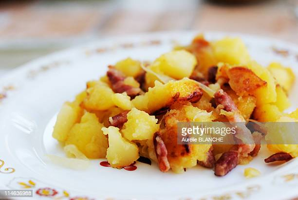 Potatoes, onions and bacon, Portugal