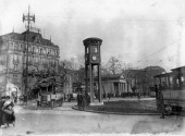 Potsdamer Platz roundabout with traffic tower Palast Hotel in the background around 1930