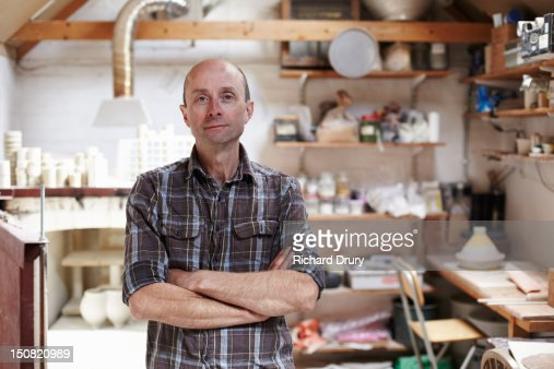 Potter in his studio : Foto stock