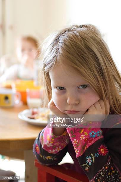 Pouty Mädchen will nicht Essen