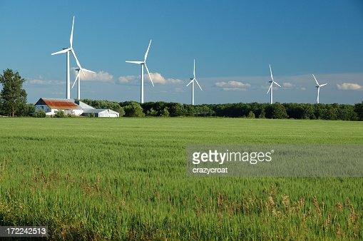 電力の風力ファームを生成、オンタリオ郊外