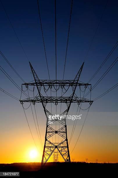 power lines bei Sonnenuntergang