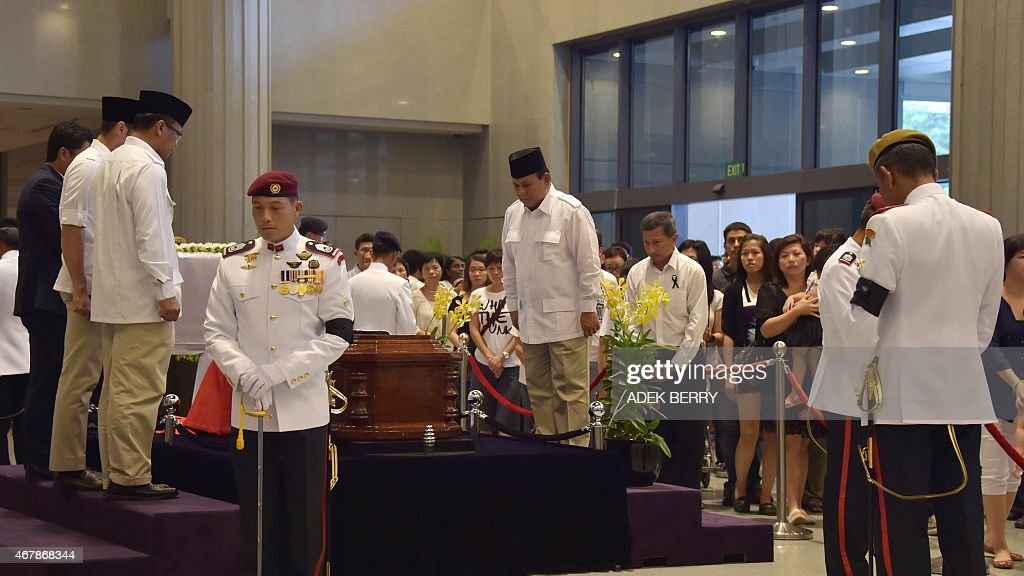 <a gi-track='captionPersonalityLinkClicked' href=/galleries/search?phrase=Prabowo+Subianto&family=editorial&specificpeople=3051840 ng-click='$event.stopPropagation()'>Prabowo Subianto</a> (C) of Indonesia's Gerindra party pays his respects to Singapore's late former pime minister Lee Kuan Yew where he lies in state at Parliament House in Singapore on March 28, 2015. Singapore's first prime minister Lee Kuan Yew, one of the towering figures of post-colonial Asian politics, died at the age of 91 on March 23.