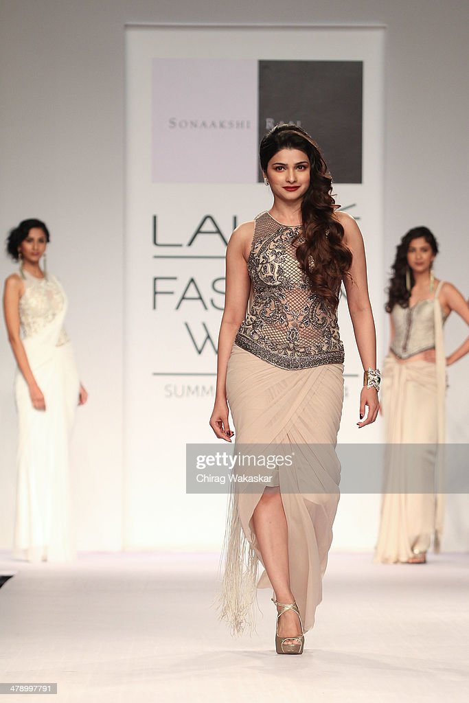 <a gi-track='captionPersonalityLinkClicked' href=/galleries/search?phrase=Prachi+Desai&family=editorial&specificpeople=5428962 ng-click='$event.stopPropagation()'>Prachi Desai</a> walks the runway wearing designs by Sonaakshi Raaj at day 5 of Lakme Fashion Week Summer/Resort 2014 at the Grand Hyatt on March 15, 2014 in Mumbai, India.