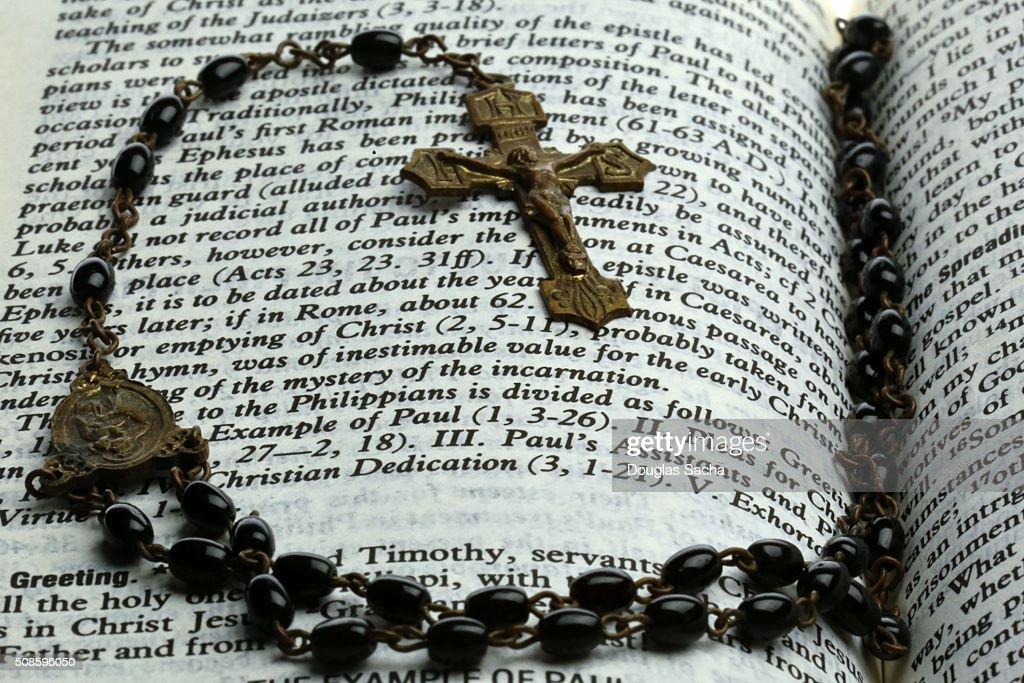 Prayer beads on a holy bible : Stock Photo