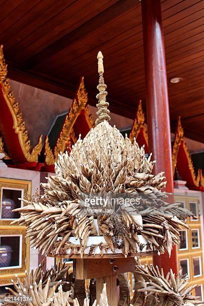 Prayer offering Wat Intharawihan Bangkok Thailand