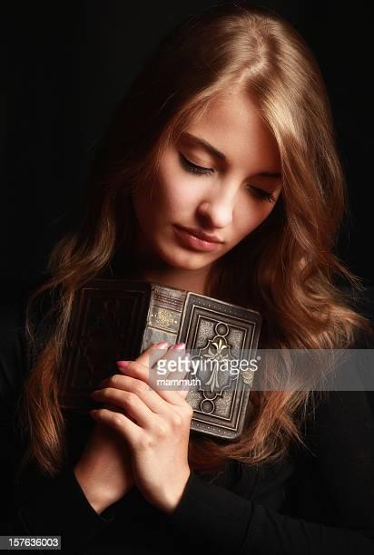 Katholische Mädchen Beten