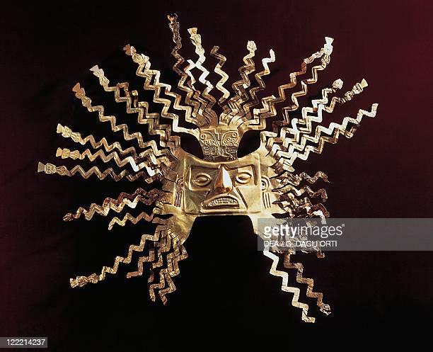 PreColumbian civilization La Tolita culture Ecuador 5th century bC5th century AD Golden sun mask From La Tolita Island