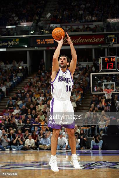 Predrag Stojakovic of the Sacramento Kings shoots the ball against the Memphis Grizzlies during the game on November 19 at Arco Arena in Sacramento...