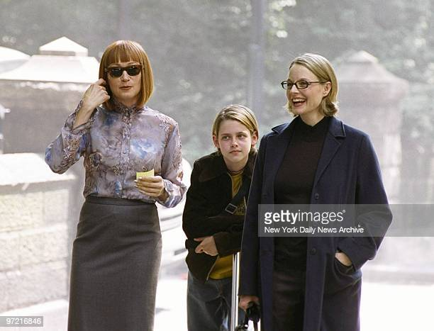 A pregnant Jodie Foster 9yearold Kristen Stuart and Ann Magnuson are not dressed for the brutal weather on Central Park West But that's because...