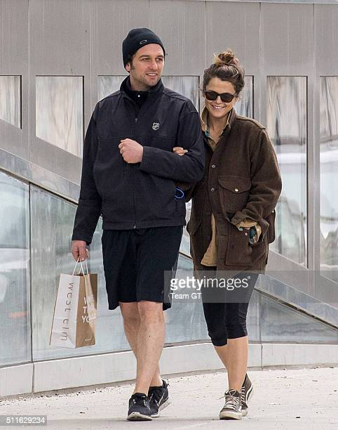 Pregnant Keri Russell and her boyfriend Matthew Rhys seen on romantic walk after the gym in Brooklyn on Sunday morning On the way home happy couple...
